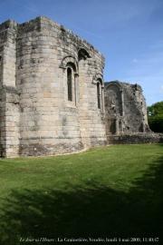 Gros plan sur les absidioles de l'église abbatiale
