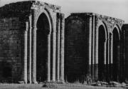 Gros plan sur les absidioles de l'abbaye