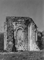 L'une des absidioles de l'église abbatiale de l'abbaye de la Grainetière