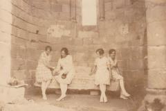 Acteurs et visiteurs de l'abbaye
