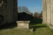 Absidioles de l'église abbatiale, hôtel et mur nord de l'abbaye
