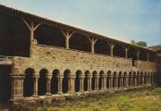 Carte postale du cloître de l'abbaye de la Grainetière après sa restauration