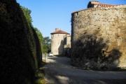 La Tour de défense sud-est et la tour de l'abbé