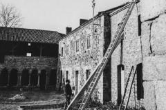 Maison de paysan détruite