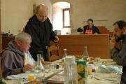 On passe à table à l'abbaye