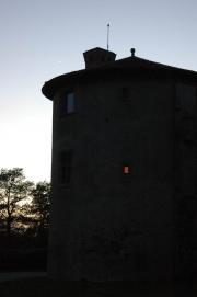 La Tour de l'abbé à la tombée de la nuit