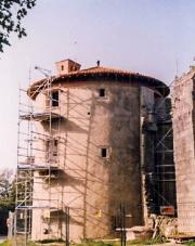 La Tour de l'abbé pendant sa restauration